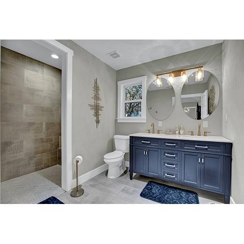 2-Night Getaway in Fredericksburg, TX Master bathroom